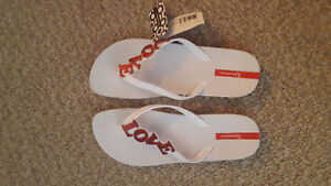 Women's Flipflops Size 9 - New with tags