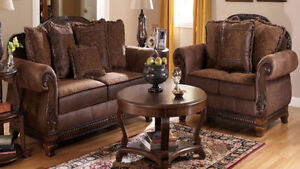 Ensemble de divans: sofa + causeuse (1150$ NÉGOCIABLE).