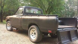 Datsun pickup body