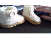 Hand made knitted baby boys shoes 0-3 months NEW