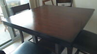 High Dining table with 4 chairs from the Brick