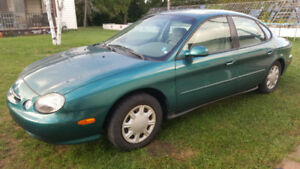 1998 Ford Taurus, ONLY 105,000 km, One Owner