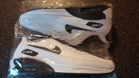 BRAND NEW NIKE AIR TRAINERS UK SIZES 9 ... 9.5 ... 10 ... 11