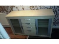 Quality solid wooden drawers units modern and stylish