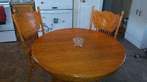 Table set in really good condition