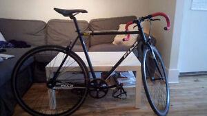 Vélo Fuji Track Classic (fixed gear / single speed)