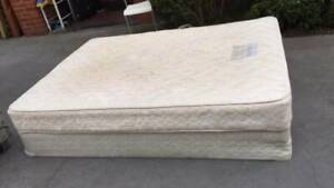 Queen size base with mattress   it is sturdy and good used.   Thank yo