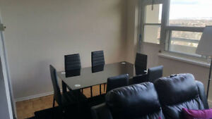 1-2 month Short Term Condo Room Close to Airport/Subway/Downtown