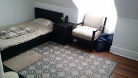 DOWNTOWN ROOM FOR RENT - BROADVIEW & DUNDAS ST EAST