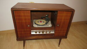 Antique RCA Receiver/Record Player
