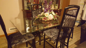 Glass Table Dining Table with Chairs (Mint Condition)