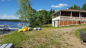 Maison/  Chalet à louer ! Bord d'un lac ! Super endroit !