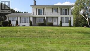MONCTON, NB - LARGE FAMILY HOME with IN-LAW SUITE - GREAT B&B