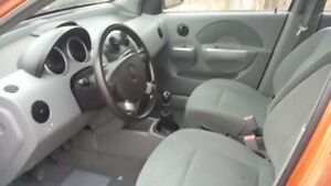 2004 Pontiac Wave Hatchback Windsor Region Ontario image 2