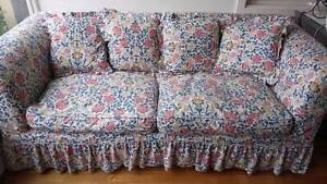 COUNTRY STYLE 2.5 SEATER SOFA Rose Bay Eastern Suburbs Preview