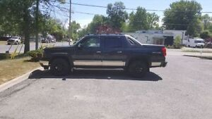 2006 Chevy Avalanche REDUCED!!