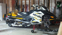 SKI DOO RENEGADE SNOWMOBILE FOR SALE | Excellent Shape