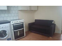 £275 / w - One bedroom flat at Blythe Road