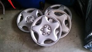 15 INCH TIRE HUBCAP 4 FOR $15. CALL 519-673-9819