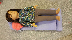 American Girl - Sit & Snooze Fold Out Bed for dolls London Ontario image 3