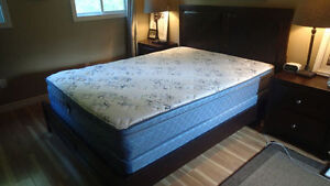 Queen Bed and Mattress/Box spring