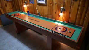 Table de jeu Shuffleboard.