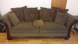 Sofa large comfortable couch 125$