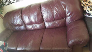 Burgundy leather couch set