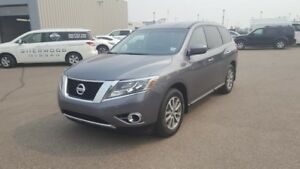2015 Nissan Pathfinder AWD S $22888 3rd Row,  Bluetooth,  A/C,