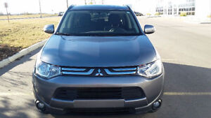2014 Mitsubishi Outlander SE with Touring package