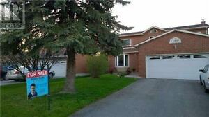193 London Rd Newmarket Ontario Excellent property!