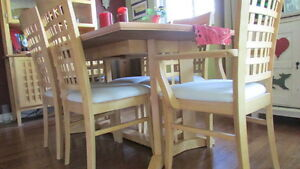 BIRCH DINING TABLE AND HUTCH Kawartha Lakes Peterborough Area image 3