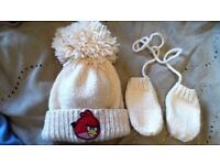 Hand knitted angry birds hat and mittens set 0-3 months NEW