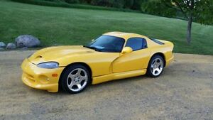 2000 Dodge Viper Coupe (2 door)