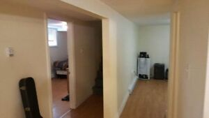Lower level 4 bedroom apartment - 435 Kings College