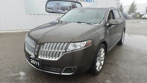 2011 Lincoln MKT Dual Moonroof, Navi, AWD