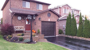 BARRIE EAST END HOUSE 4 SALE ALL BRICK DETACHED UPDATES