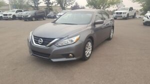 2016 Nissan Altima 2.5 $17888 Bluetooth,  A/C,