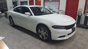 2016 Dodge Charger AWD SXT SUNROOF Accident Free,  Navigation (G