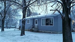 Wonderful family home on double lot in Emerson! 3+beds/3 baths