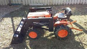 Tracteur kubota B7000 compact 4x4 avec loader chargeur diesel