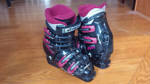 Ladies 23 / 6 ski boots