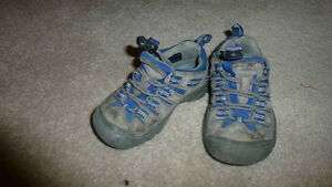 Keen Shoes 9T