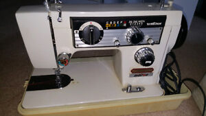 Stretch sawing machine good working condition 519-673-9819