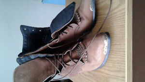 Ladies size 9 cowgirl boots