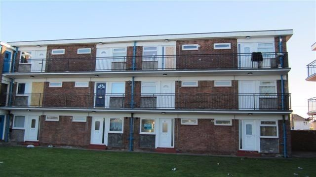 Unfurnished 1 bedroom flat available immediately, Riversdale House. DSS accepted, NO Bond