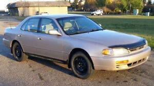 1996 Toyota Camry LE Sedan - Great Student/Commuter Car