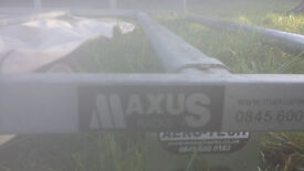 full roof rack with rollers .ex condition