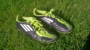 Adidas F50 soccer shoes / cleats - Men's Size 6