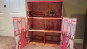 Folding Doll House Edmonton Edmonton Area image 1
